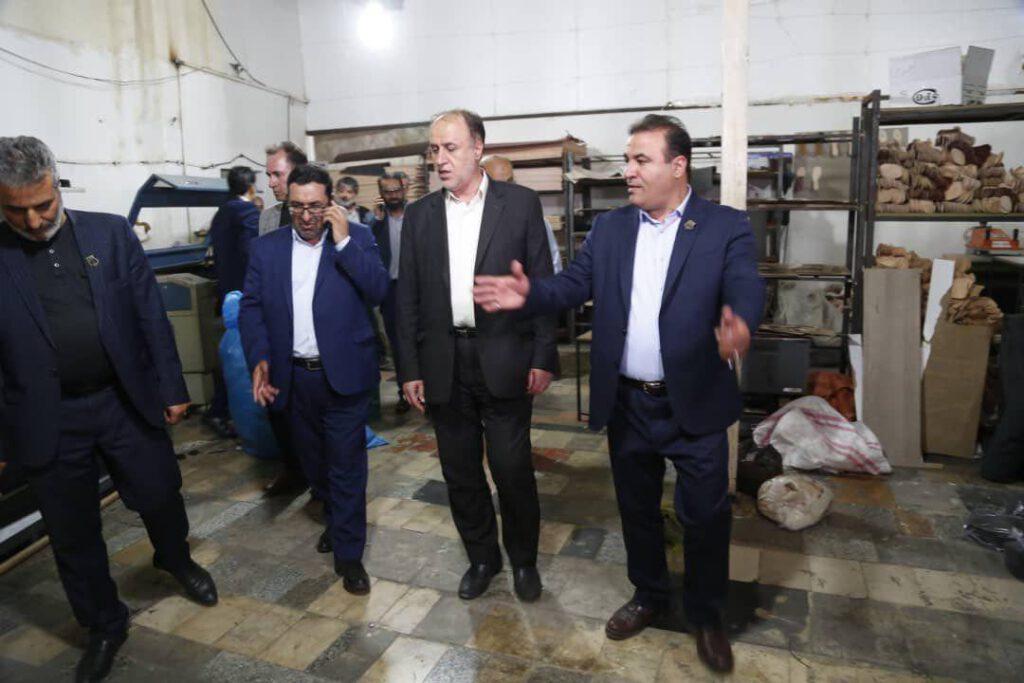 کارخانه کفش آرمینا - پرویز موقر