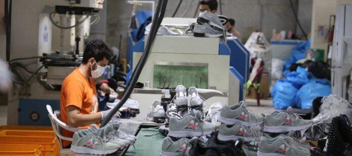 اشتغال زایی ۱۵۰نفری در کارخانه کفش ویستا